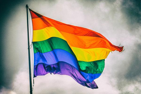 Cờ 7 sắc đại diện cho cộng đồng LGBT