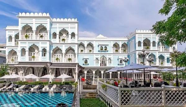Lâu đài trắng Tajmasago cuốn hút và nổi bật - khách sạn cho cặp đôi
