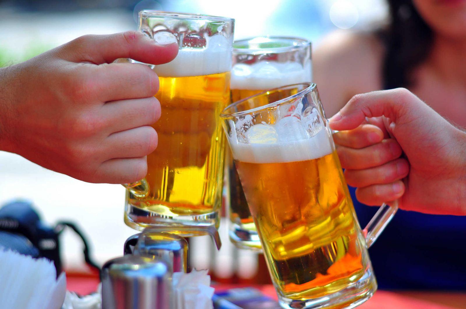 Chất kích thích như bia rượu cũng là một nguyên nhân