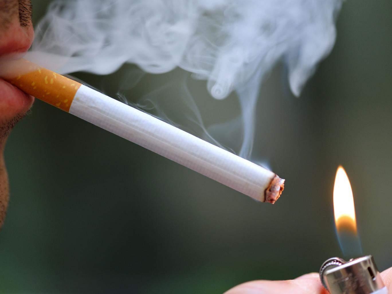 Hút thuốc lá ảnh hưởng đến sức khỏe kèm theo