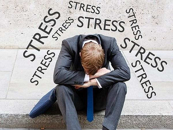 Tâm lý bị áp lực dẫn đến giảm ham muốn và gây ra bất lực nam giới